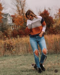 tan navy gray and ivory color block amazon sweater levi 721 busted knee skinny jeans sam edelman studded booties