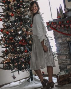 holiday outfit ideas classic holiday outfits classy holiday looks champagne midi skirt