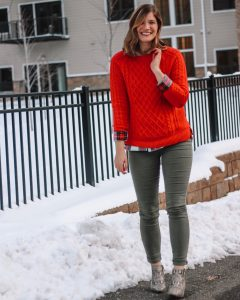 green skinny jeans red cableknit sweater snakeskin booties