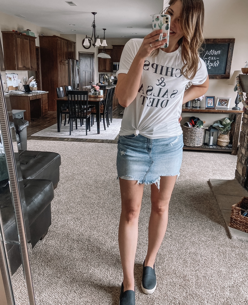 chips and salsa diet tee / amazon tee / white graphic tee / denim skirt / jean skirt black slip on shoes / amazon outfits