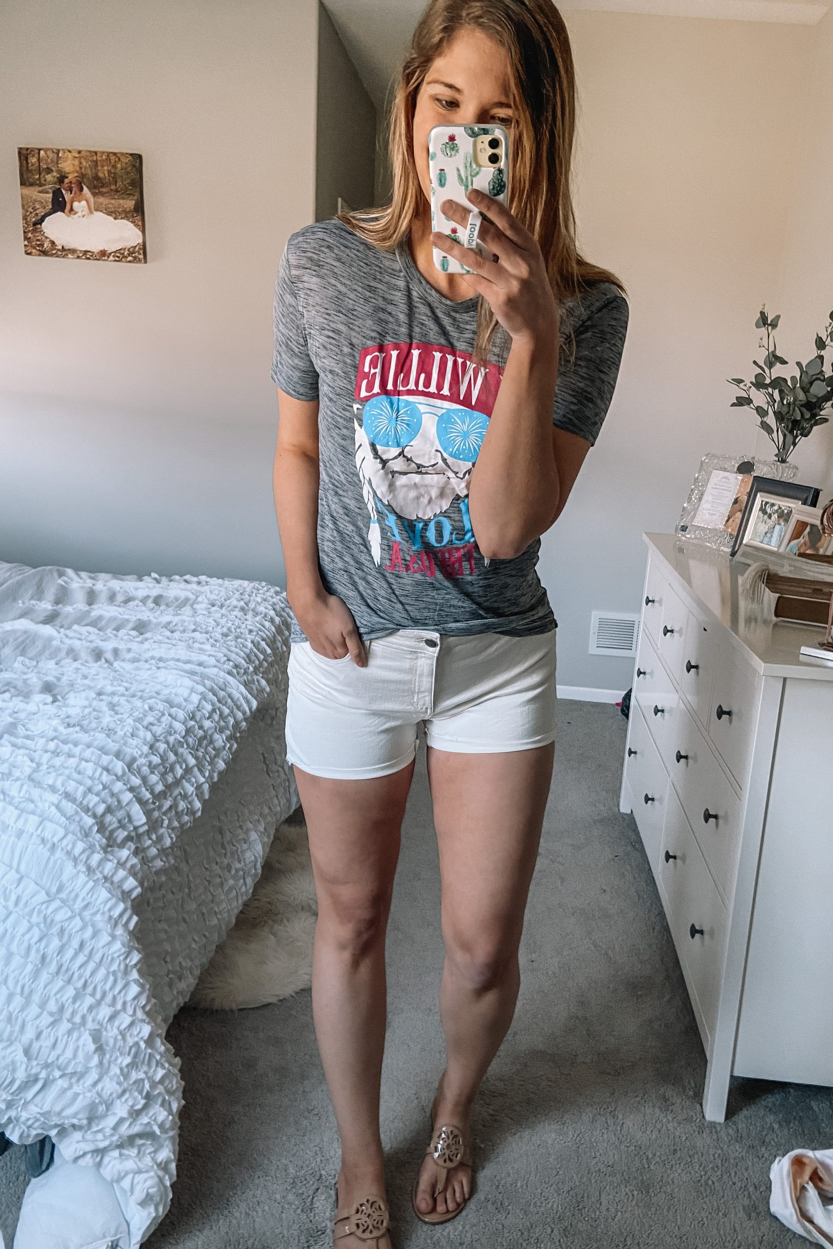 willie nelson USA tee white denim shorts tury burch miller dupes