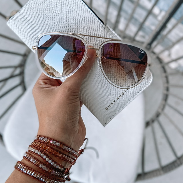 brown ribbed quay sunglasses