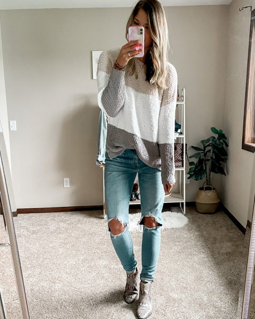 tan white and gray sherpa crewneck sewater / levi 721 rugged indigo busted knee jeans / snakeskin booties / faux fiddle leaf fig