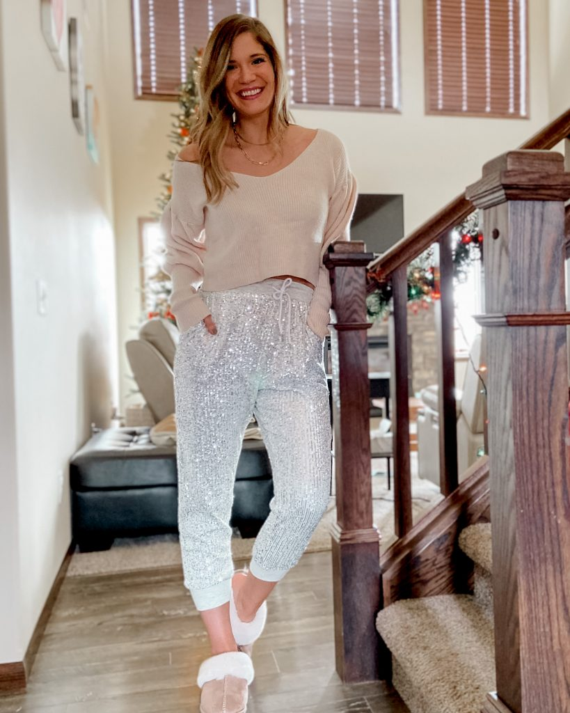 sequin joggers / new years eve outfits / nye outfits / sequin outfits
