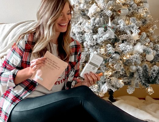 womens stocking stuffers / affordable stocking stuffers / gifts for her under $10 / womens gift guide / gifts for her under $25