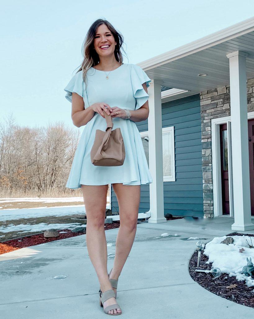 flutter sleeve dress / mini dress / blue mini dress / tan tote bage / amazon dress / dresses under $50