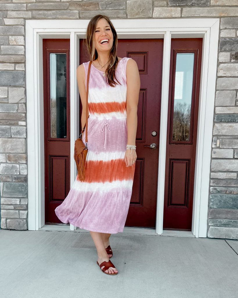 tall girl in tie dye knox rose dress | tie dye dress | pink and orange tie dye dress | target dress | amazon fringe bag