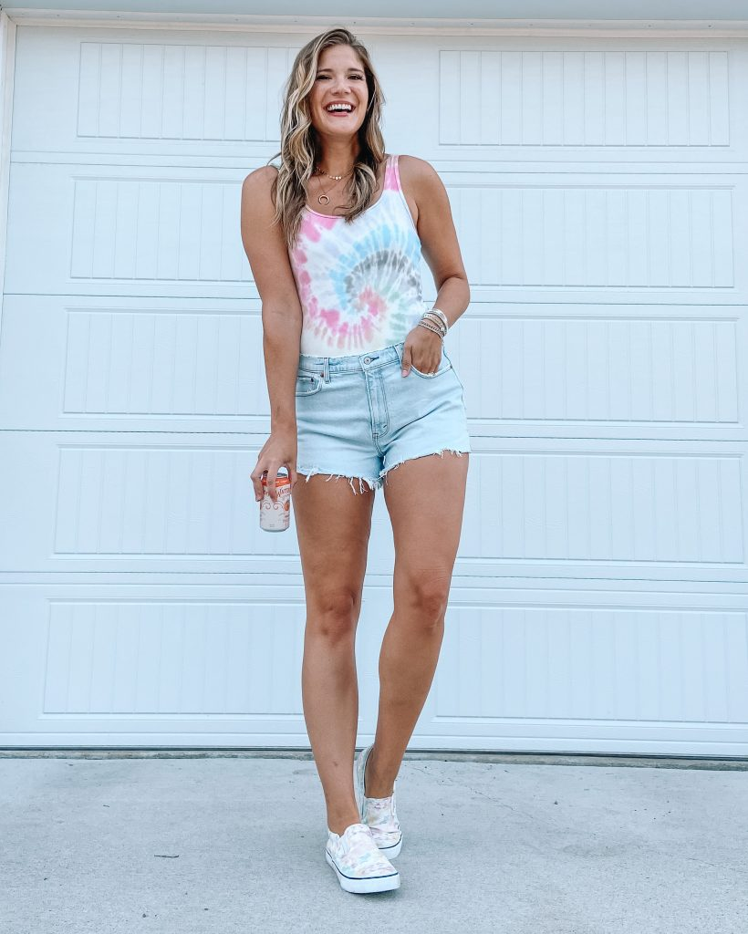 tie dye bodysuit with mom shorts and tie dye sneakers / walmart sneakers / time and tru / tall bodysuit / abercrombie
